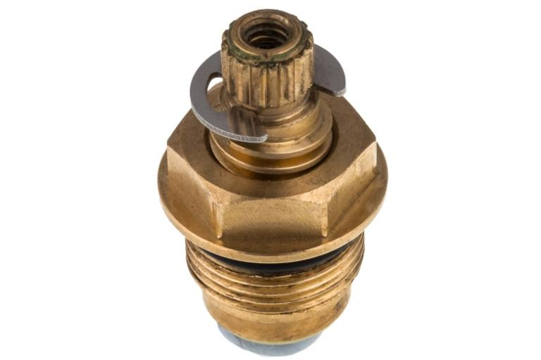 Brass plumbing fitting assembly